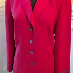 LeSuit skirt suit gorgeous red & gray